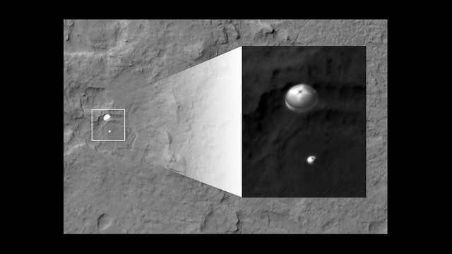 Curiosity Parachute Landing Spotted by NASA Orbiter [detail]