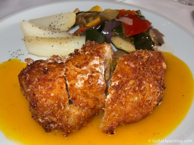 Mango-filled chicken breast with grilled vegetables