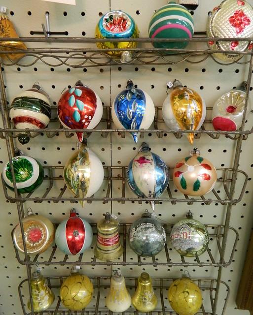 vintage ornaments via homeologymodernvintage.com