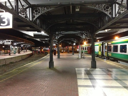 Early morning, Kent Station, Cork by despod