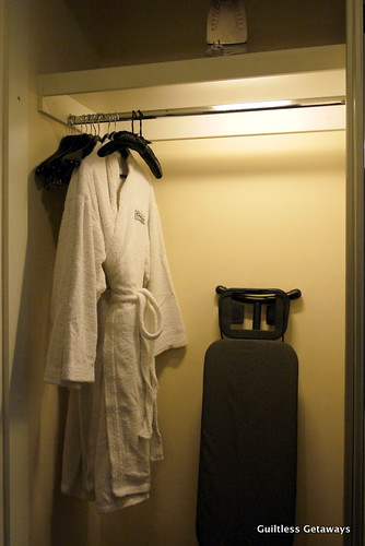 hotel-bath-robe.jpg