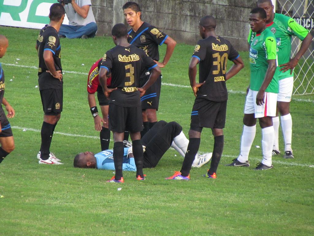 AUTOGOL y adiós al invicto: Marathón 1-0 Olimpia