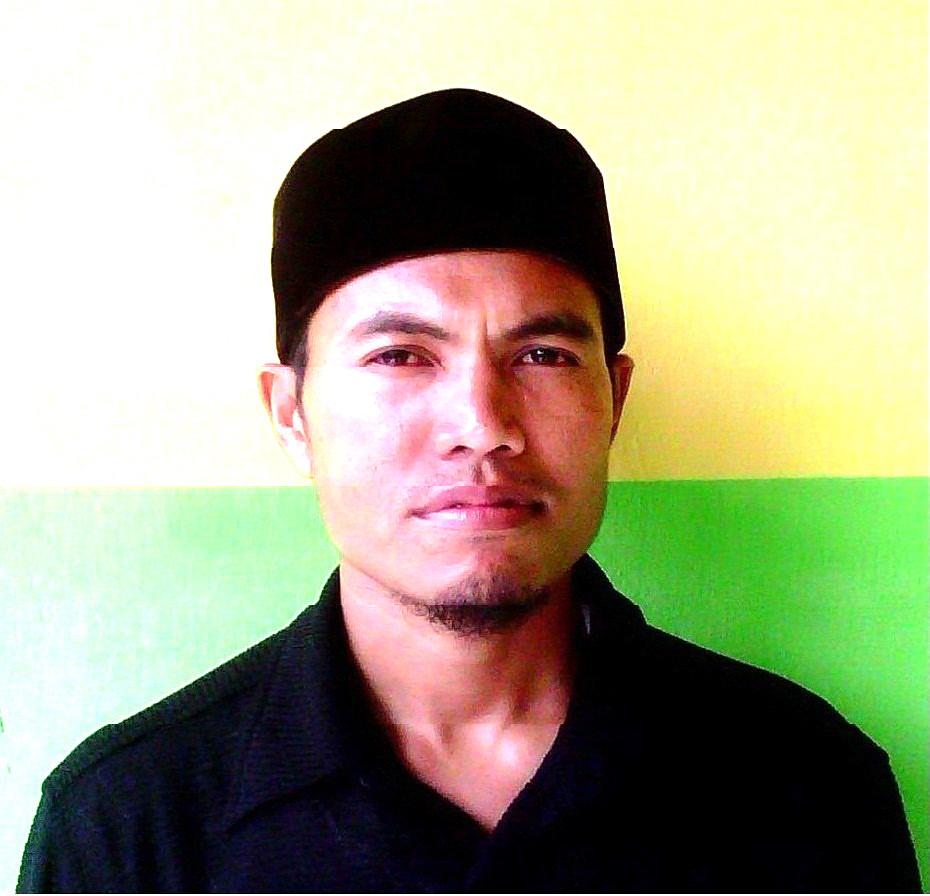 KETUA PENGELOLA PKBM IRSYADULHAYAT GERUNG LOBAR MATARAM NTB INDONESIA