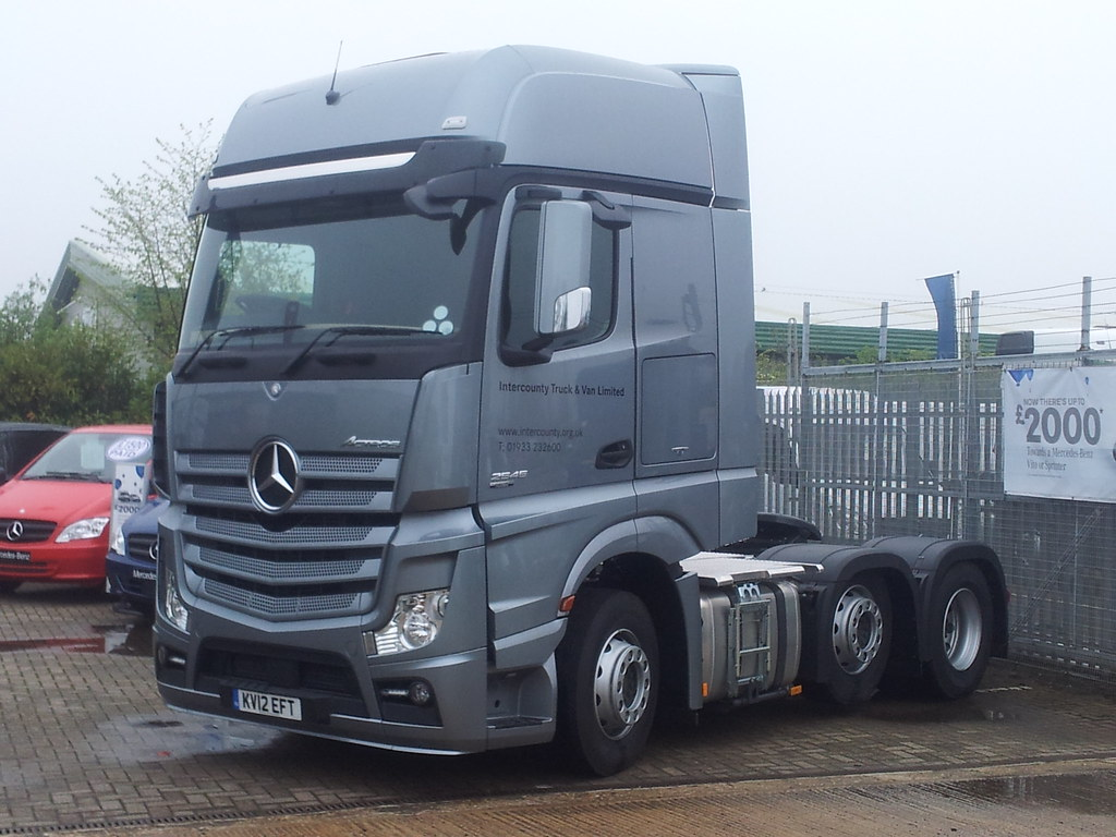 mercedes benz actros mp4 2545 gigaspace cab a photo on. Black Bedroom Furniture Sets. Home Design Ideas