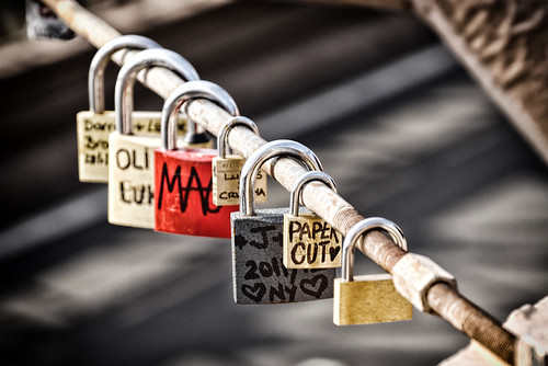 (more) locks on the Brooklyn Bridge