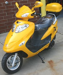 150cc Slingshot Moped Scooter