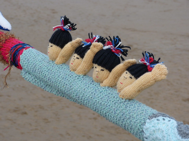 Knitted Synchronised Swimmers