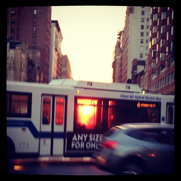 manhattanhenge through a bus
