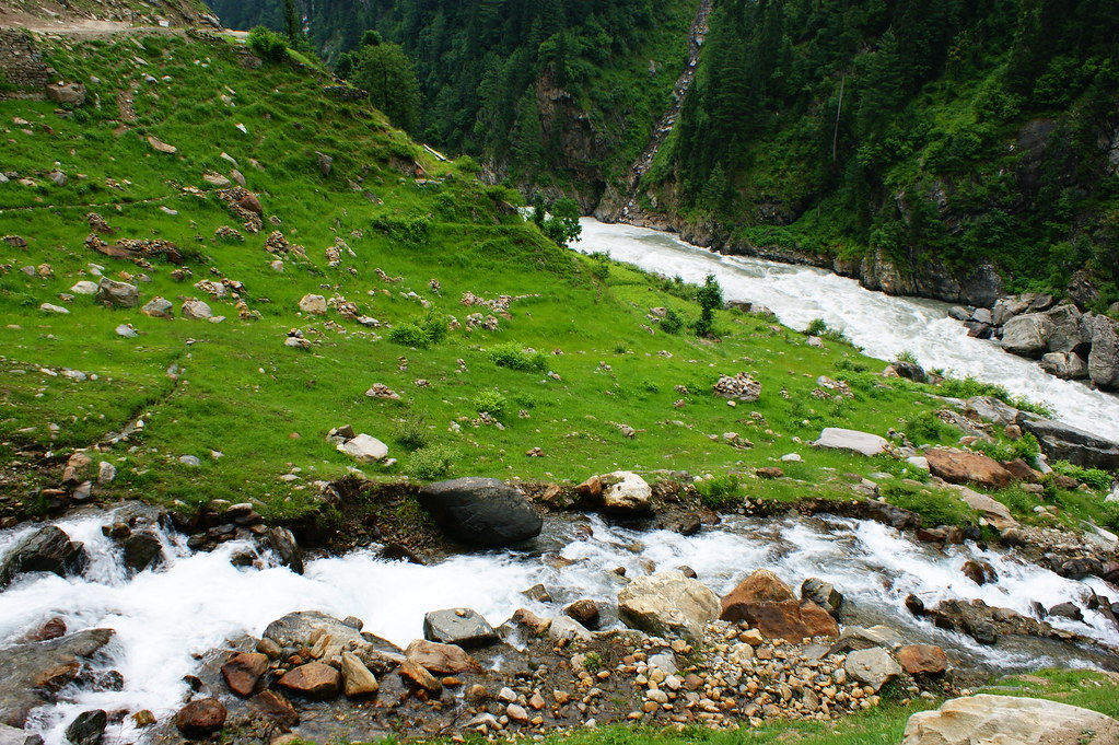 """MJC Summer 2012 Excursion to Neelum Valley with the great """"LIBRA"""" and Co - 7589221218 300b5a2788 b"""