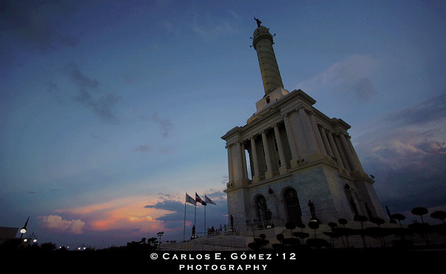 Atardecer en el Monumento (Sunset @ the Monument)