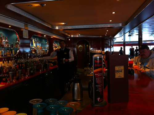 Norwegian Pearl - Spinnaker Bar and Barfly