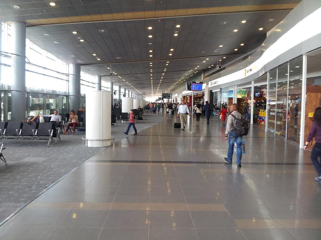 Bogot aeropuerto internacional el dorado skbo bog for Puerta 6 aeropuerto el dorado