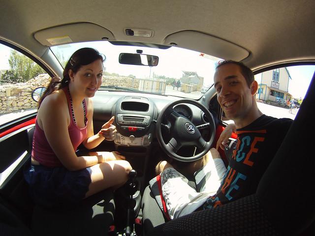 Dentro de nuestro coche de alquiler en Malta
