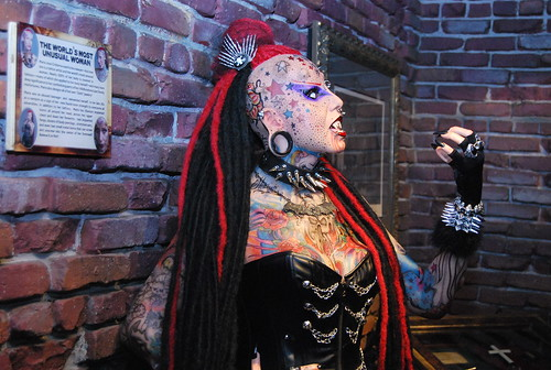 Ripley's - tattoo lady-001