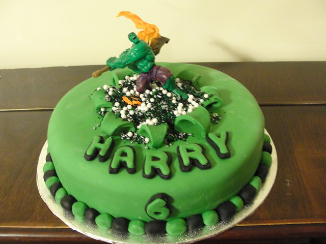 Hulk Smash Birthday Cake