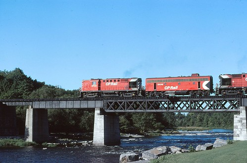 1981 Ottawa - Rideau River Bridge