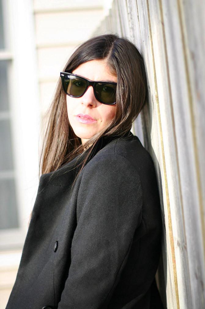Balenciaga classic city bag, Matt Bernson boots, Olivia Palermo, fashion, Ray Ban Wayfarer sunglases