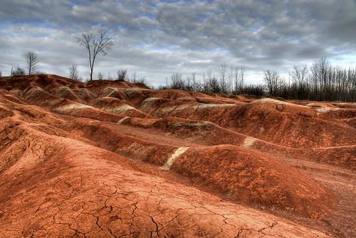red nikon dramatic erosion dirt clay badlands cheltenham hdr cracked niagaraescarpment brucetrail caledon tonemapped
