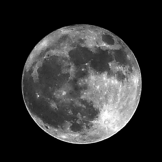 Full Moon  ............ Explore # 60 -  06 april 2012