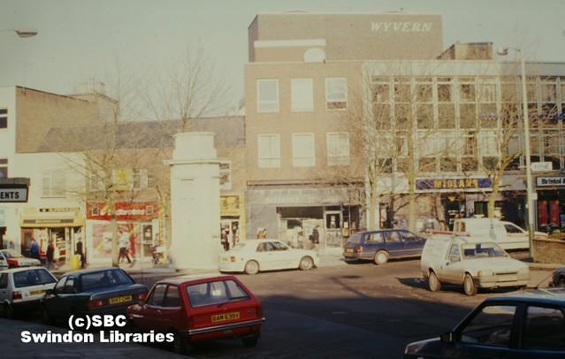 1980s: Regent Circus, Swindon