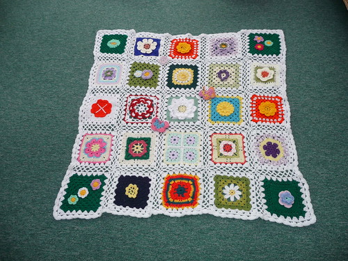 Thanks to 'Marilyn' for assembling this Blanket. Thanks to everyone who contributed Squares!