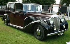 packard super eight(0.0), rolls-royce phantom iii(0.0), rolls-royce phantom ii(0.0), rolls-royce silver ghost(0.0), rolls-royce silver dawn(0.0), touring car(0.0), automobile(1.0), packard 120(1.0), vehicle(1.0), antique car(1.0), sedan(1.0), classic car(1.0), vintage car(1.0), land vehicle(1.0), luxury vehicle(1.0),