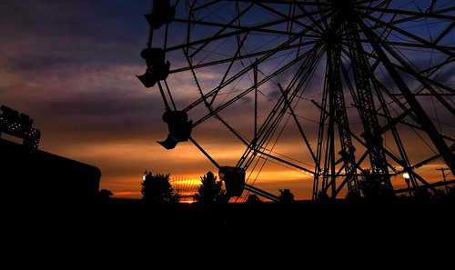 sunset night skies cloudy ferriswheel arkansas solhouette canon60d