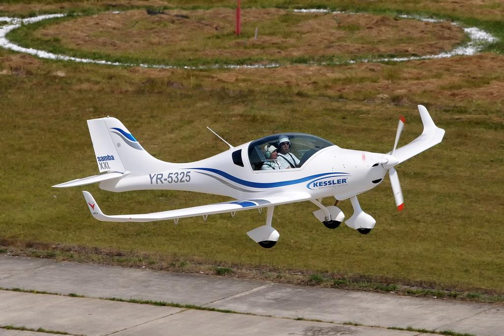 Fly-in @ Floreni - Mitingul cailor putere - Poze 7677963504_4607a3e95c_o