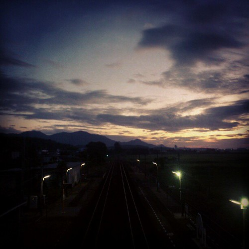 At 人丸駅 (Hitomaru Sta.)