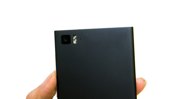 來說明一下 HTC ONE (M8) 雙色溫閃 (補) 光燈 @3C 達人廖阿輝