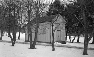 Liten trebygning ved Østmarka sykehus (1981)