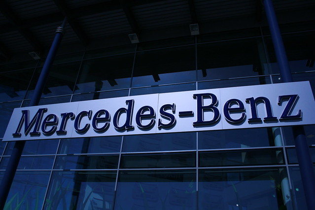 Mercedes benz sign at mb world explore supermac1961 39 s for Mercedes benz sign in