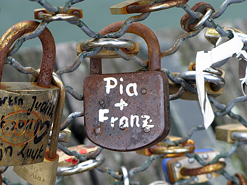 pia and franz - Pont des Arts, Paris