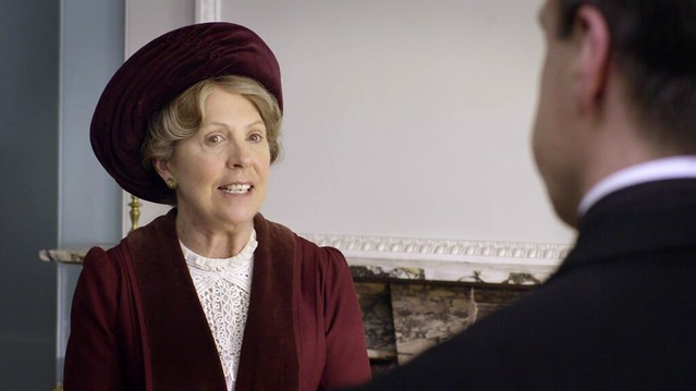 DowntonAbbeyS01E02_Isobelred