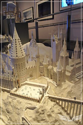 The Establishing Shot: The Making of Harry Potter Tour - Model Room Hogwarts Castle White Card Model by Craig Grobler