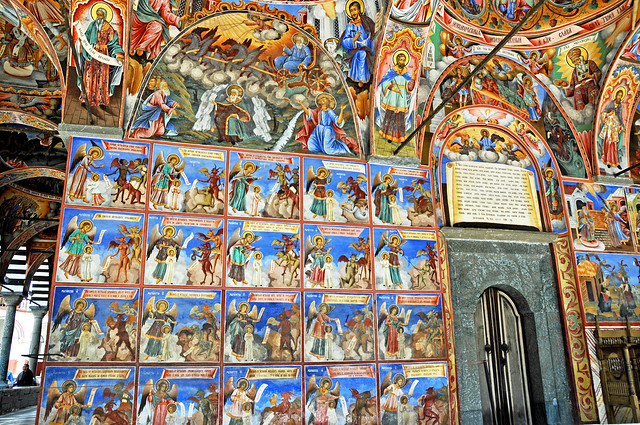Frescos en las paredes del Monasterio de Rila. Bulgaria.