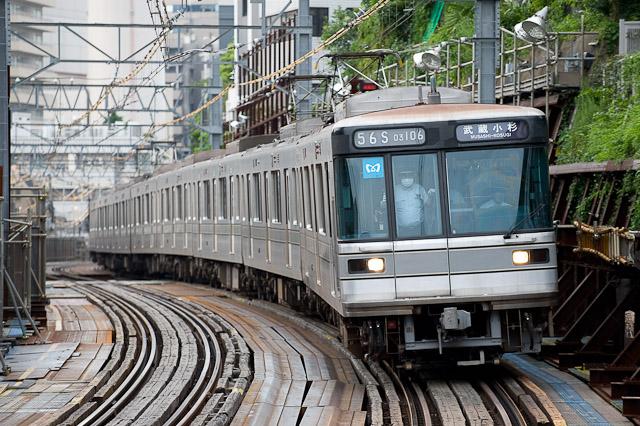 東京メトロ03系 03-106F 東横線渋谷駅へ