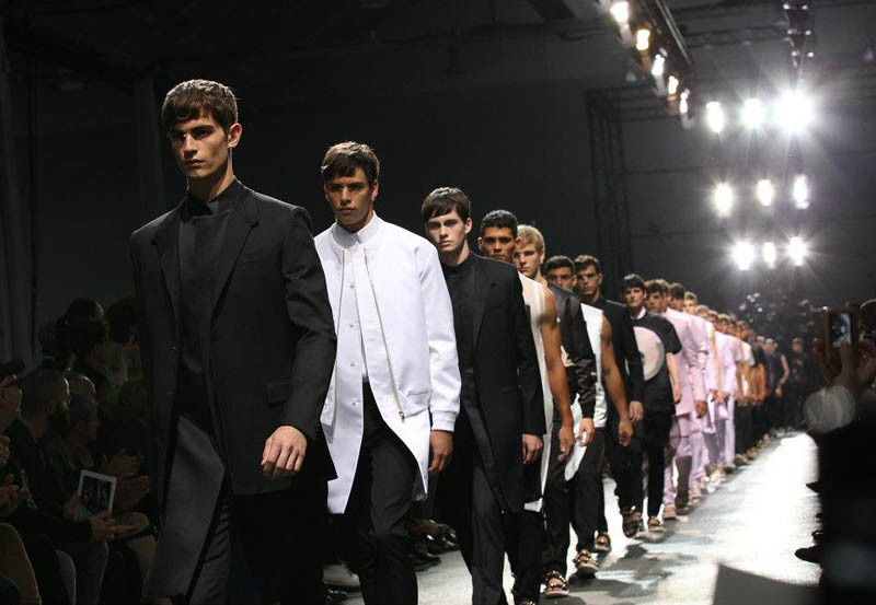 givenchy-spring-summer-2013-menswear-collection-01