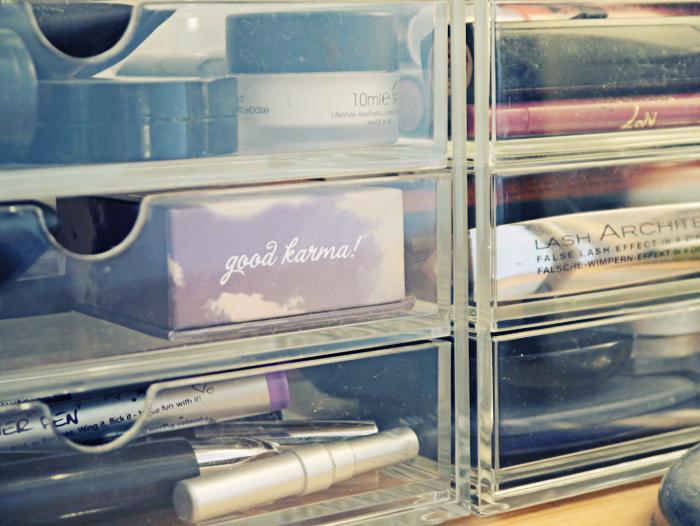 makeup storage 4