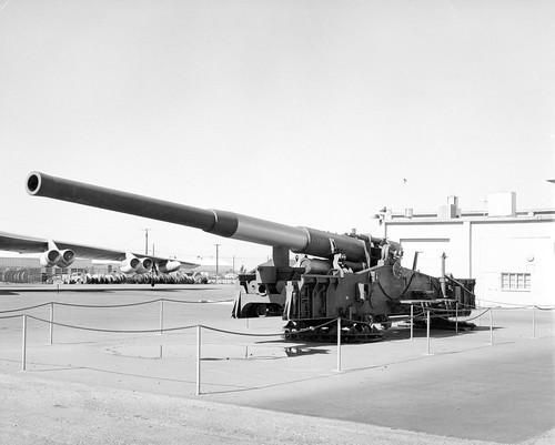 280 mm AFAP cannon on display Photo courtesy of DTRIAC Ar2