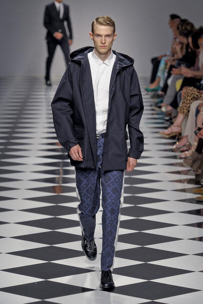 Adrian Bosch3259_SS13 Milan Siviglia(fashionising.com)