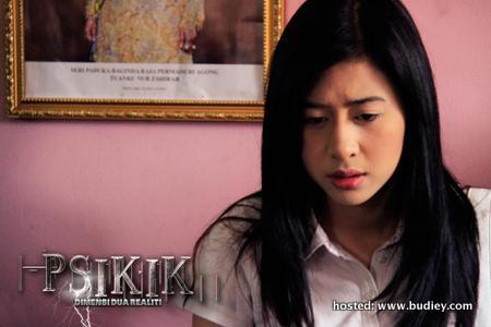 Miera Liyana dalam psikik di TV1