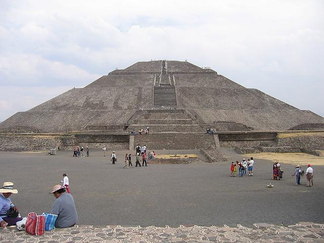 テオティワカン(太陽のピラミッド)
