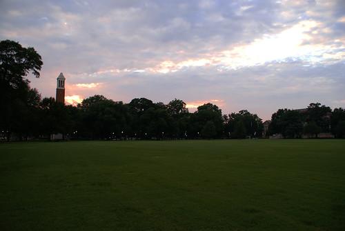 sunset grass alabama tuscaloosa thequad universityofalabama dennychimes