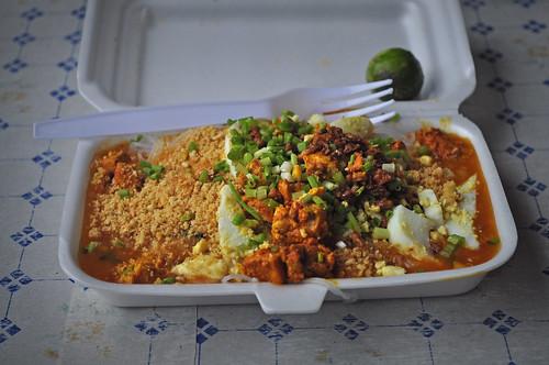 palabok, UST food trip
