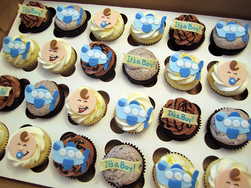 Airplane Baby Shower Cupcakes
