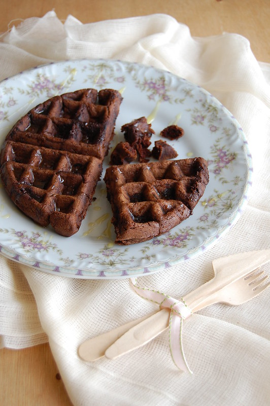 Dark chocolate waffles / Waffles de chocolate