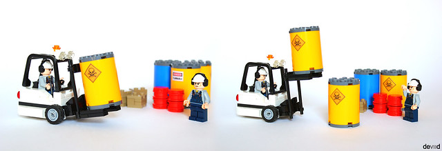 White forklift - Up & Down