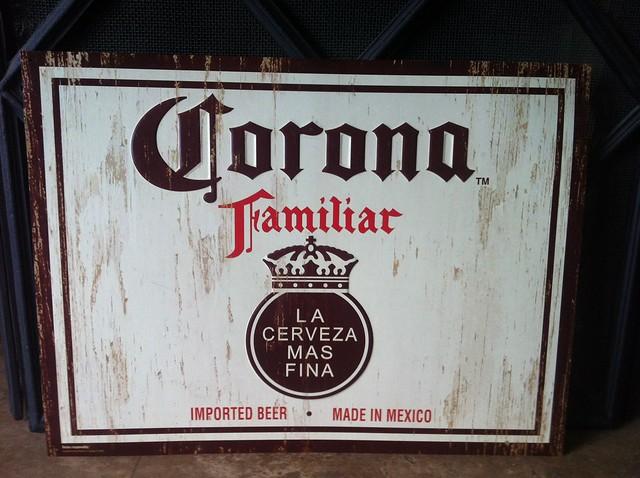 Corona Familiar Logo Medium 640 × 478