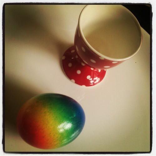 Voorgekookte voorgeschilderde eitjes. Voor luie wijven!